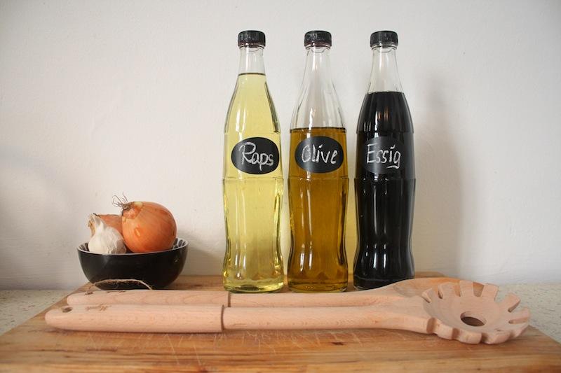 DIY Recycling: Von der Colaflasche zur Ölflasche