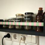 DIY: langweiliges Gewürzregal wird zum Hingucker