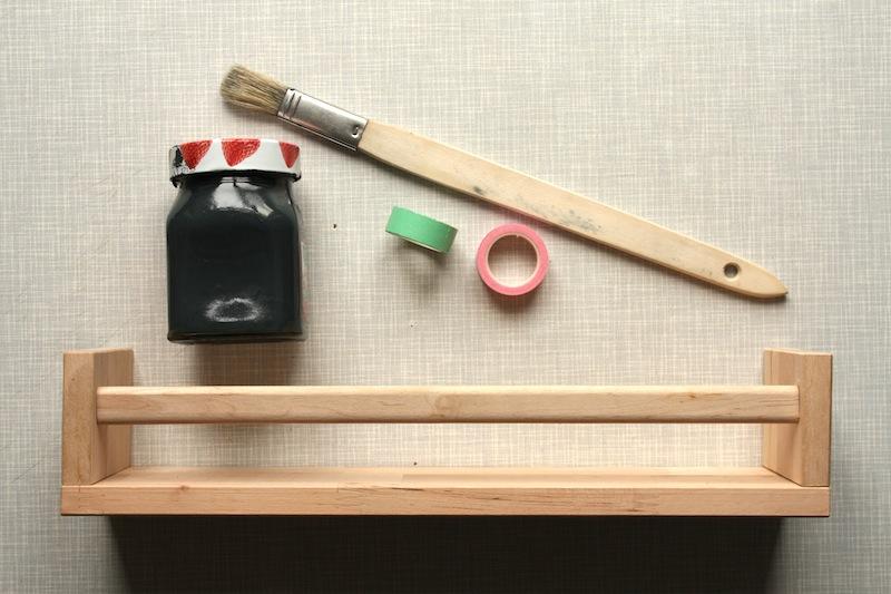 diy langweiliges gew rzregal wird zum hingucker craftifair. Black Bedroom Furniture Sets. Home Design Ideas