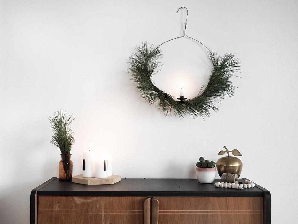 easy DIY christmas wreath - www.craftifair.com