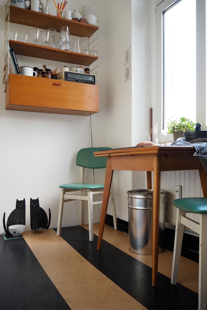 Vintage Küche mit Stringregal