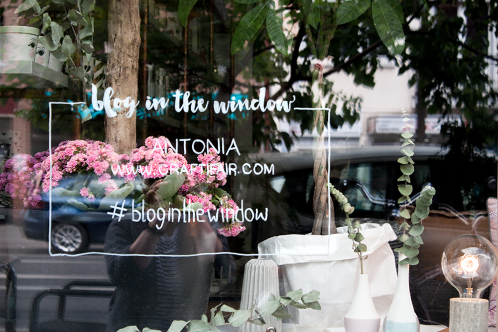 blog in the window – das Craftifair Schaufenster bei Flying Fawn