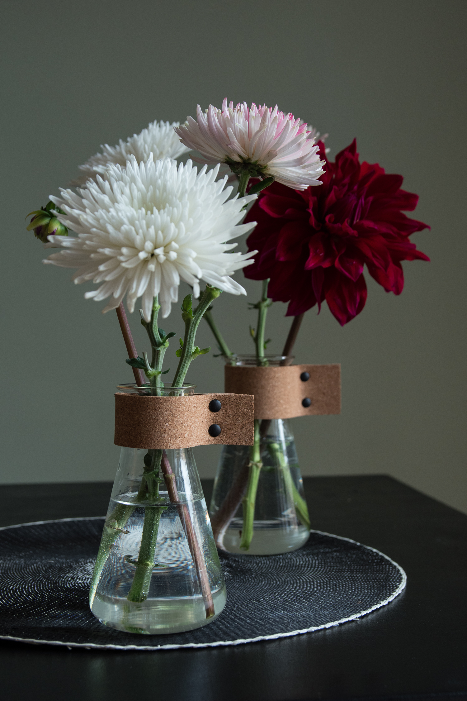 DIY vase with cork - www.craftifair.com