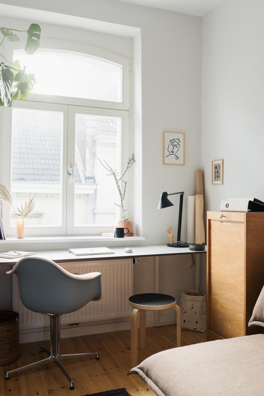 Vom Arbeitszimmer zum Multifunktionsraum – ein platzsparender DIY Schreibtisch