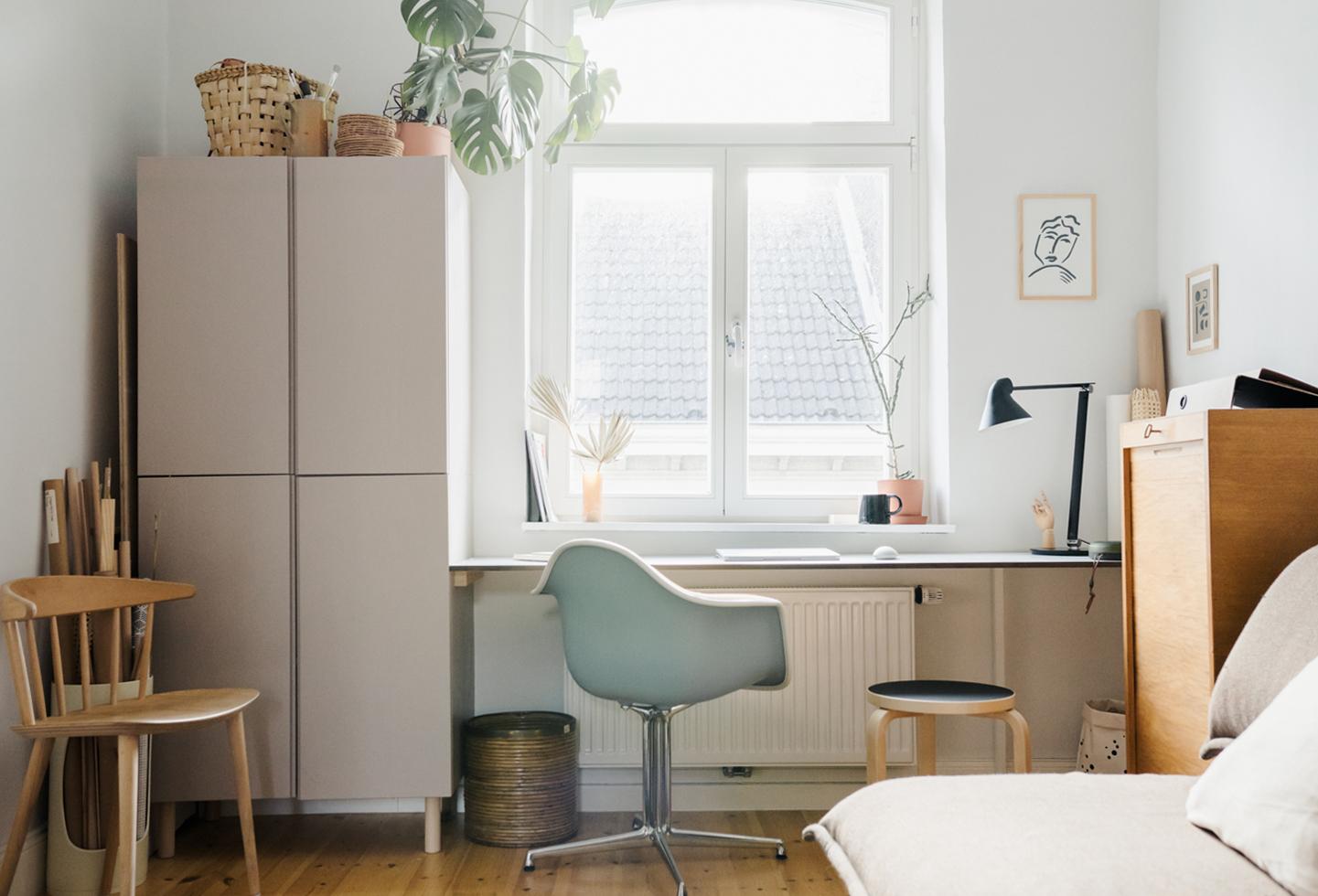 Platzsparender DIY Schreibtisch aus HPL Platten
