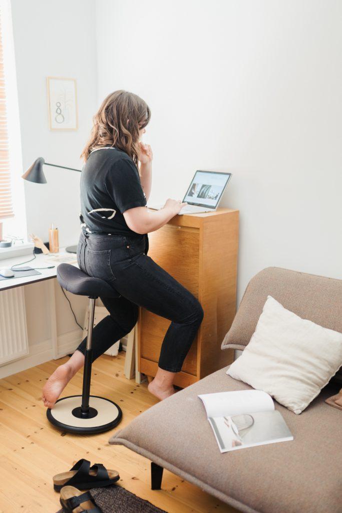 Homeoffice – Mit dem Move von Varier Furniture bleibst du auch im Sitzen in Bewegung