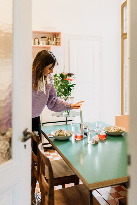 Hannah Kuhlmann in der Küche
